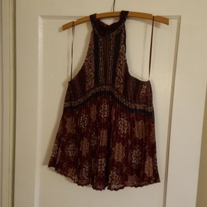 Lily White, size Medium printed blouse burgundy